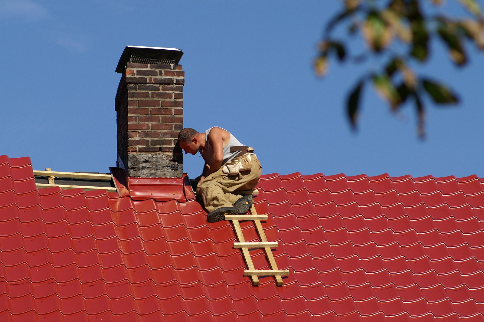 Estimating the Costs of Roof Repair
