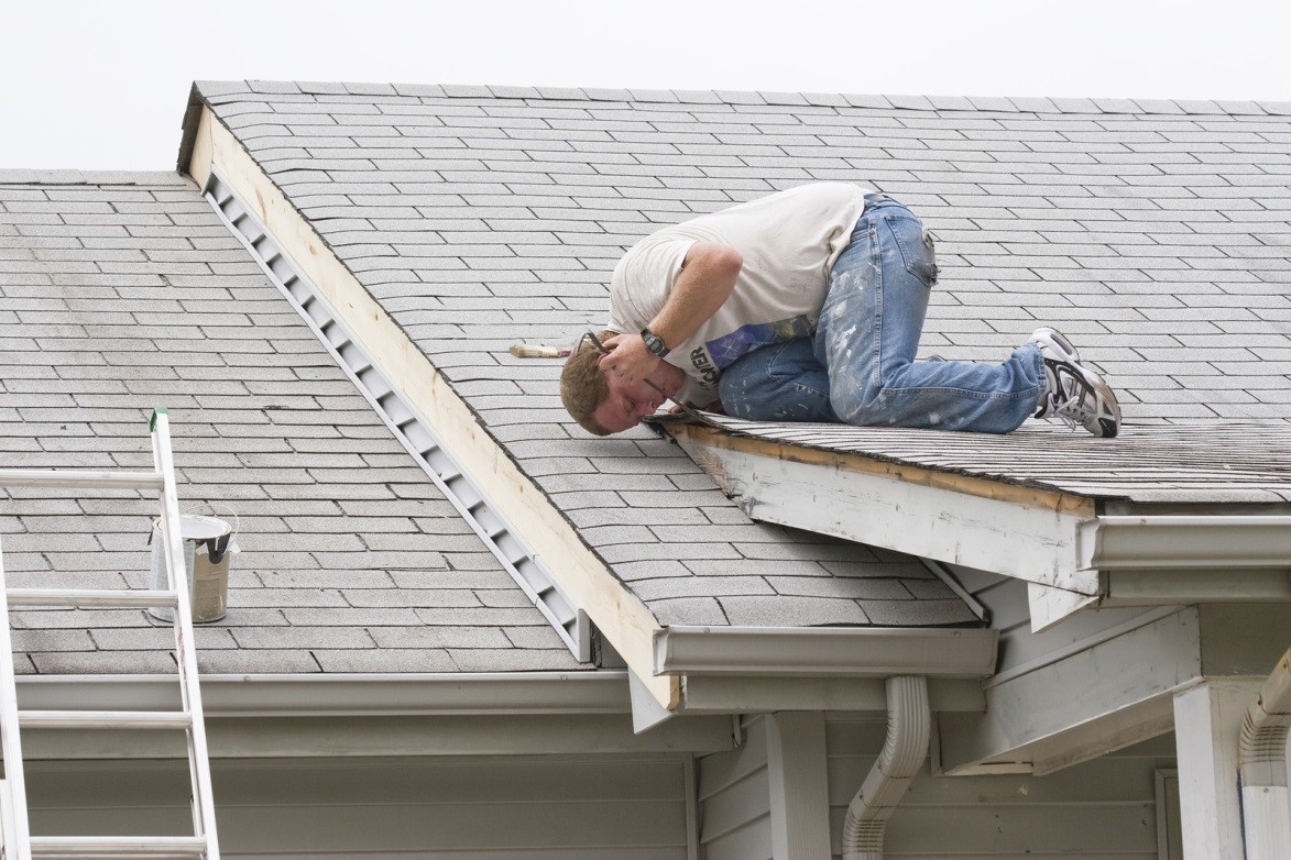 Basic tips for identifying roof repair needs and materials Roof leaks when it rains hard